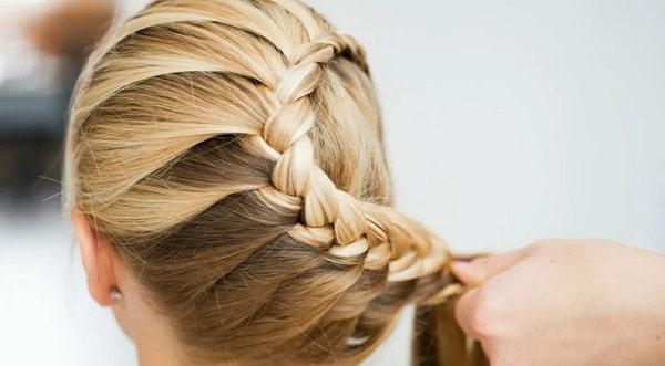 How to French Braid Your Hair: Easy and Simple 5 Steps