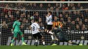 Carlos Soler marcó así el 1-0 en el minuto 77 de partido. /VCF