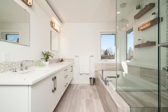 Calcular el precio de la reforma de un baño es complejo porque requiere estudiar muchos elementos.