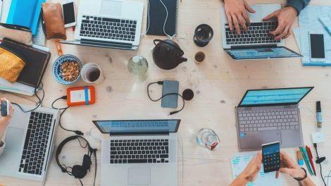 8 de cada 10 estudiantes de Desarrollo Web y Diseño UX/UI consiguen empleo en menos de 90 días/Twitter
