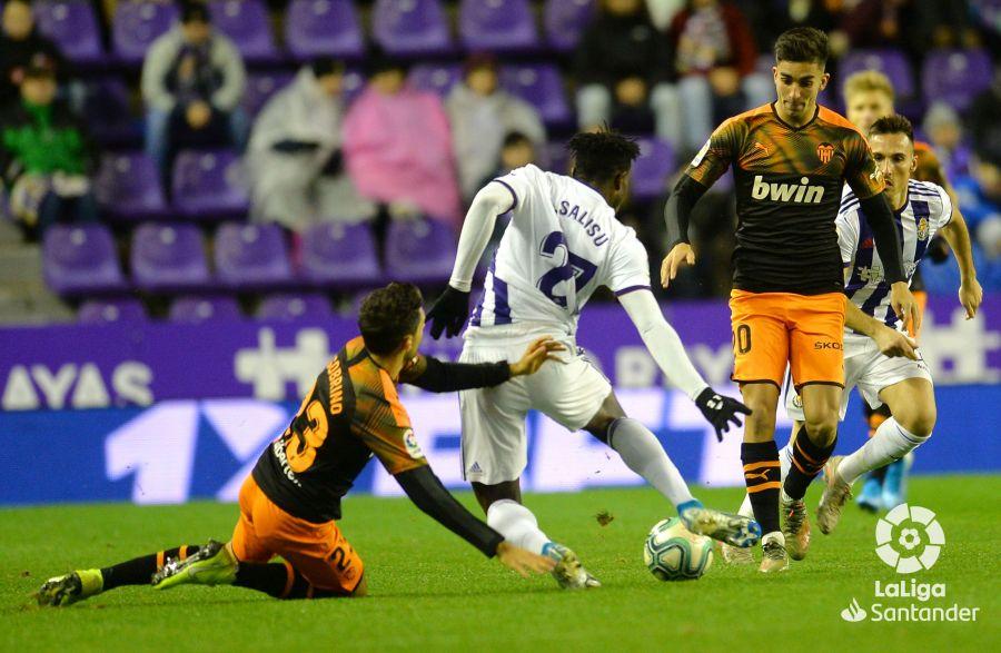Salisu en el partido ante el Valencia de esta temporada/LFP