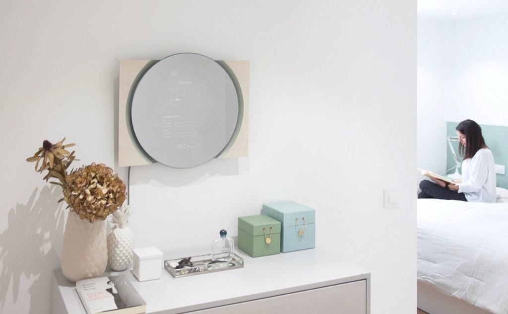 Cloon reflejando el calendario y la lista de eventos en un dormitorio/Teccoa