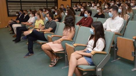 Becas de Excelencia a 30 alumnos de colegios públicos y concertado/UCV