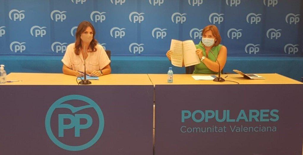 Isabel Bonig (D) y Beatriz Gascó-informaValencia.com