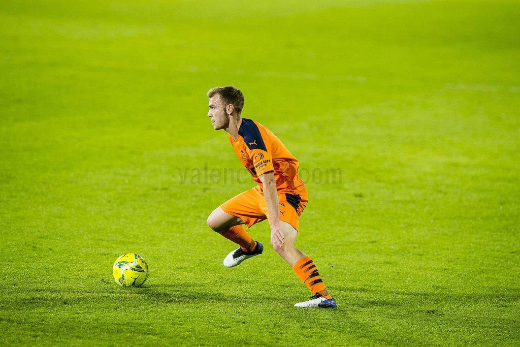 Toni Lato cuajó una notable actuación y marcó el gol de Valencia/ VCF