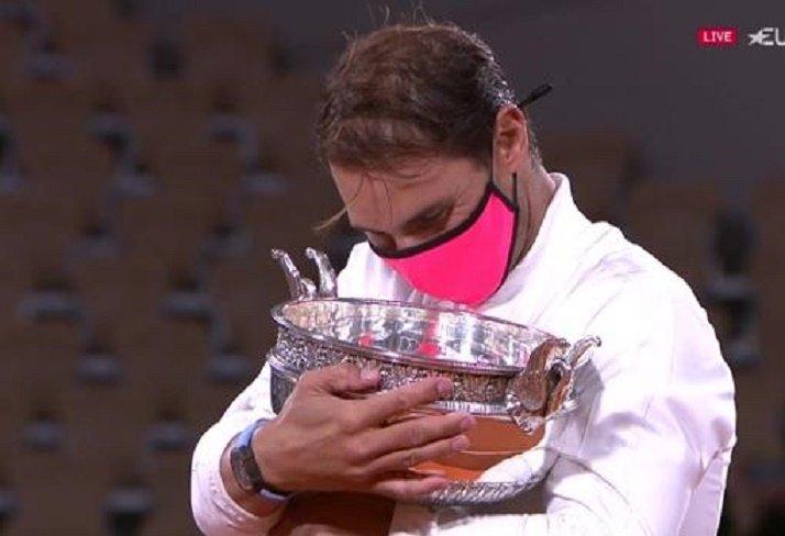 Rafa Nadal consigue una victoria histórica en Rolan Garros - informaValencia.com tv