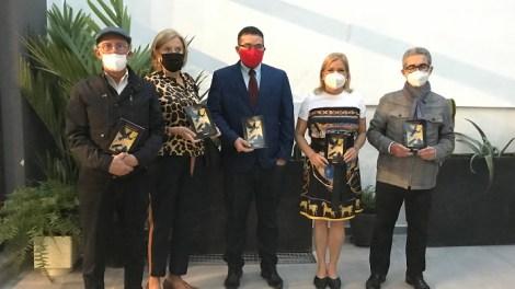 Imagen de archivo con Ricardo-Bellveser, Melania-Vazquez, Jose-Antonio-Olmedo, Carmen-de-Rosa y Toni Alcolea. / Ateneo