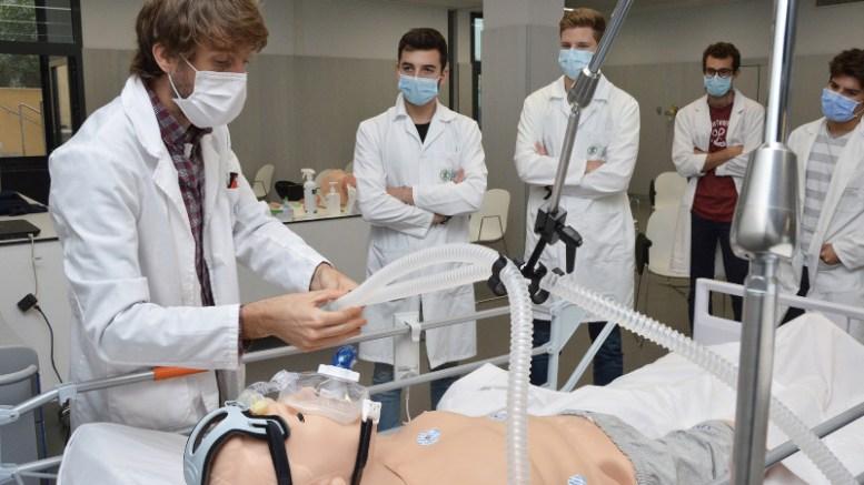 Hospital de Simulación Clínica Avanzada de la UCV/ Img. UCV