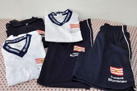 3e9203ce9b Prefeitura de Blumenau vai multar fornecedora de uniforme escolar ...