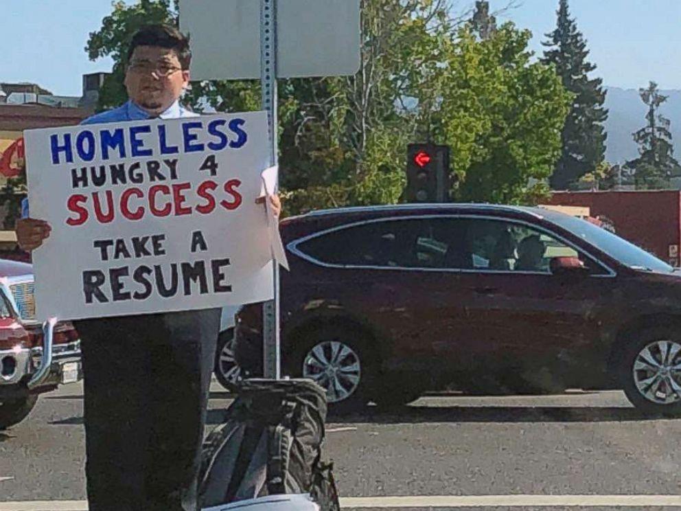 homeless-web-developer-scofield-david-sign-ht-mem-180730_hpMain_4x3_992_1532961798910.jpg