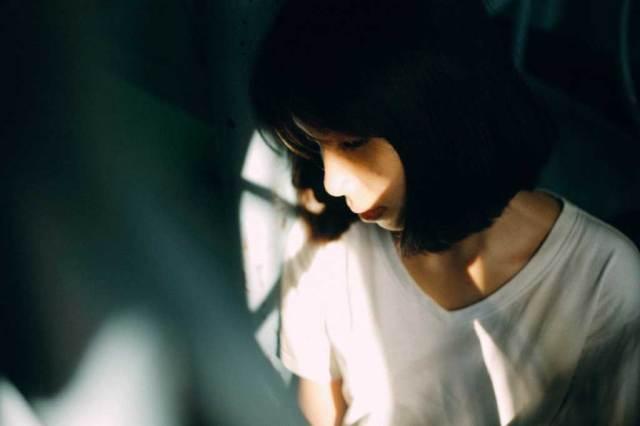 gambar yang diambil menggunakan teknik cahay dan bayang