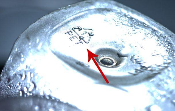kod plastik pada botol minuman mineral water