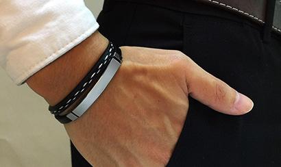 custom bracelet untuk teman lelaki