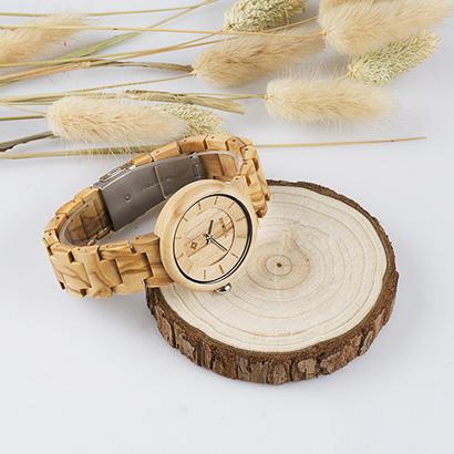 jam tangan kayu untuk teman lelaki