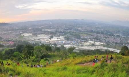 Pemandangan dari Bukit Tigo Tungku Sajarangan