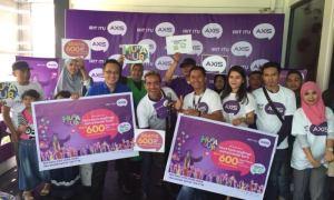 AXIS Team Sumatera Barat Bersama Pelanggan dan Outlet AXIS