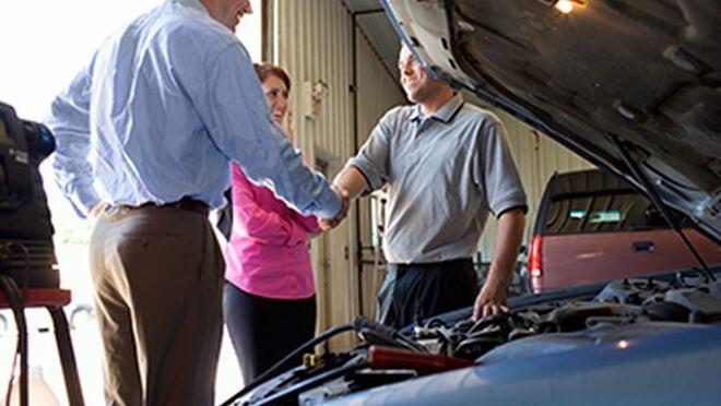 Decir a los clientes que tendrían que haber venido antes a reparar su coche no es una buena estrategia