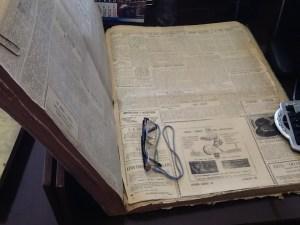 Un investigador en el Archivo Histórico Municipal