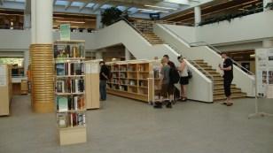 Otra vista de la Biblioteca Pública de Jyväsklä