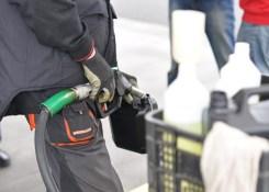 10 aplicativos que ajudam a economizar combustível e você deve conhecer.
