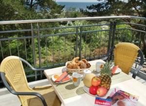 Frühstück Balkon Typ IV Strandhaus Aurell
