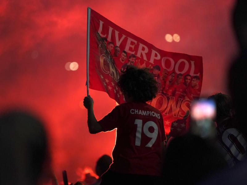 Der FC Liverpool ist nach 30 Jahren wieder englischer Meister. Foto: Jon Super/AP/dpa