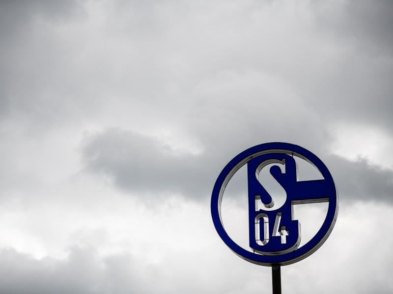 Die NRW-Landesregierung hat laut Ministerpräsident Armin Laschet keine Entscheidung über eine Bürgschaft für den FC Schalke 04 getroffen. Foto: Fabian Strauch/dpa