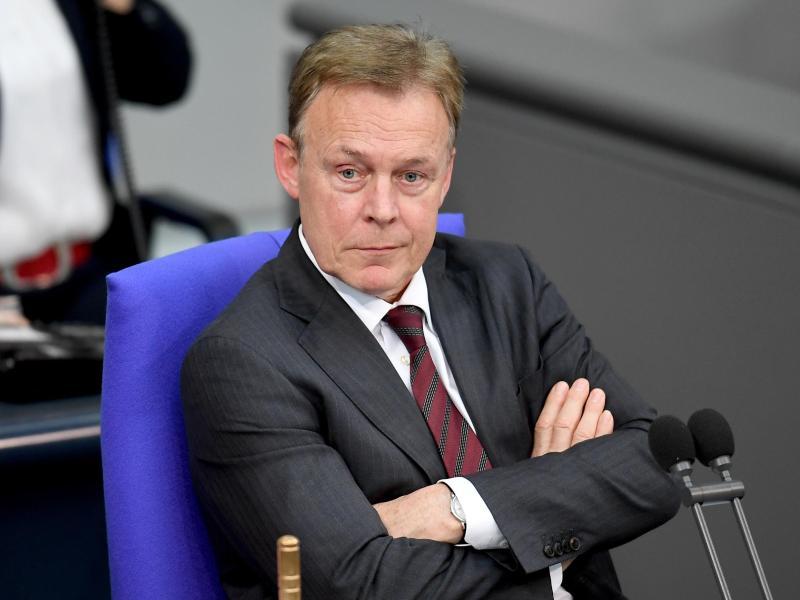 Thomas Oppermann sitzt seit 2019 dem Ethikkomitee des Deutschen Fußball-Bundes vor. Foto: Britta Pedersen/zb/dpa