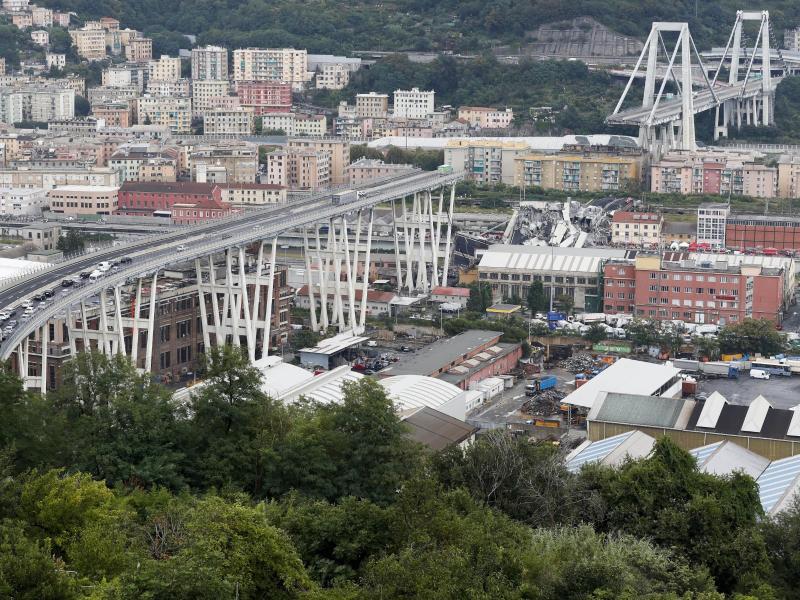 Am 14. August 2018 war die Morandi-Brücke bei einem Unwetter eingestürzt, 43 Menschen starben. Foto: Antonio Calanni/AP/dpa
