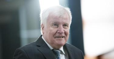 Macht sich für einEnde der Geisterspiele stark: Bundesinnenminister Horst Seehofer. Foto: Christoph Soeder/dpa Pool/dpa