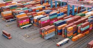 Container Terminal Altenwerder im Hamburger Hafen. Das Bruttoinlandsprodukt in Deutschland ist im dritten Quartal gegenüber dem Vorquartal um 8,5 Prozent gestiegen. Foto: Daniel Reinhardt/dpa