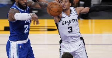 Bekennt erneut klare Meinung zu Donald Trump: Lakers-Superstar LeBron James (l). Foto: Ashley Landis/AP/dpa