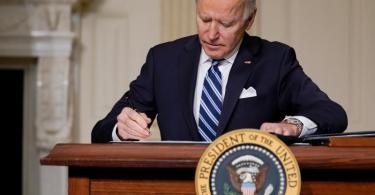 'Wir haben mit dieser Klimakrise schon zu lange gewartet. Wir können nicht länger warten', sagt der neue US-Präsident Joe Biden. Foto: Evan Vucci/AP/dpa