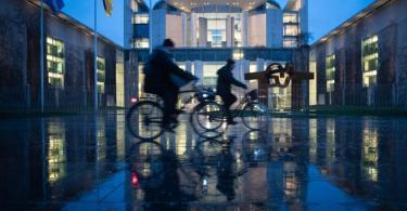 Die Spitzen von CDU/CSU und SPD vereinbarten eine milliardenschwere Unterstützung für Familien, Geringverdiener, Unternehmen, Gastronomie und Kultur. Foto: Dorothée Barth/dpa