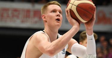Robin Benzing führt die deutsche Basketball-Nationalmannschaft an. Foto: Carmen Jaspersen/dpa