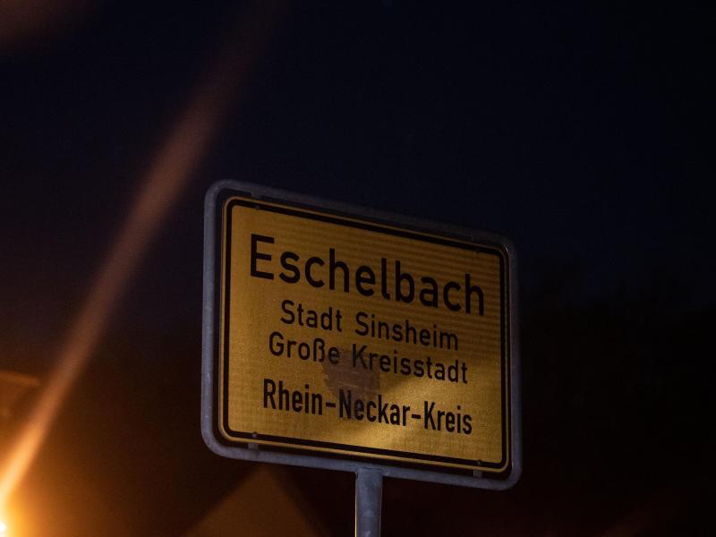 Ein 13-jähriger Junge ist an einem Waldrand bei Bei Sinsheim-Eschelbach tot gefunden worden. Foto: Marijan Murat/dpa