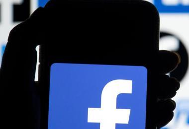Facebook und Google müssen in Australien künftig Geld an Medien zahlen, wenn sie deren Inhalte verbreiten. Foto: Dominic Lipinski/PA Wire/dpa