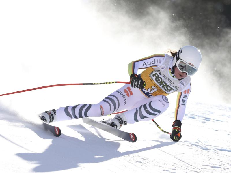 Verpasste in Val Di Fassa nur knapp das Podium: Kira Weidle. Foto: Alessandro Trovati/AP/dpa
