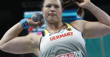 Holte mit 19,04 Metern EM-Bronze: Christina Schwanitz in Aktion. Foto: Darko Vojinovic/AP/dpa