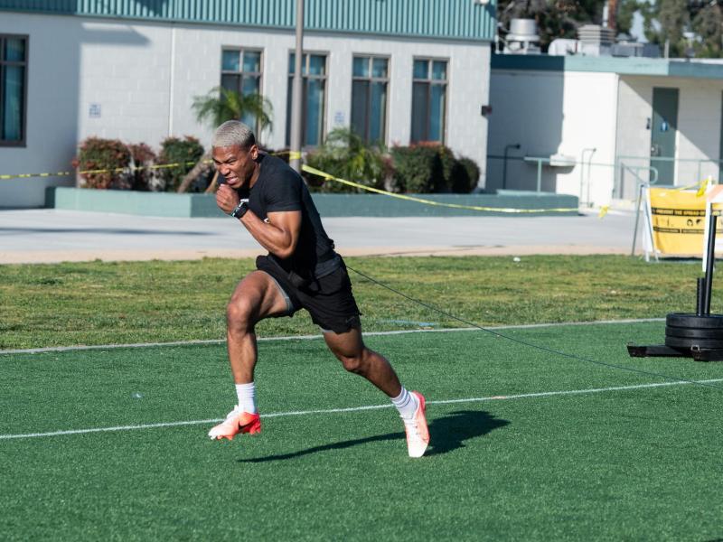Amon-Ra St. Brown will in die NFL. Foto: Maximilian Haupt/dpa