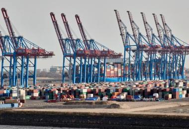 Es geht voran, auch wenn beim Export das Vorkrisen-Niveau noch nicht erreicht ist. Foto: Georg Wendt/dpa