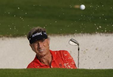 Golf-Legende Bernhard Langer ist vorzeitig beim Masters in Augusta ausgeschieden. Foto: Chris Carlson/AP/dpa