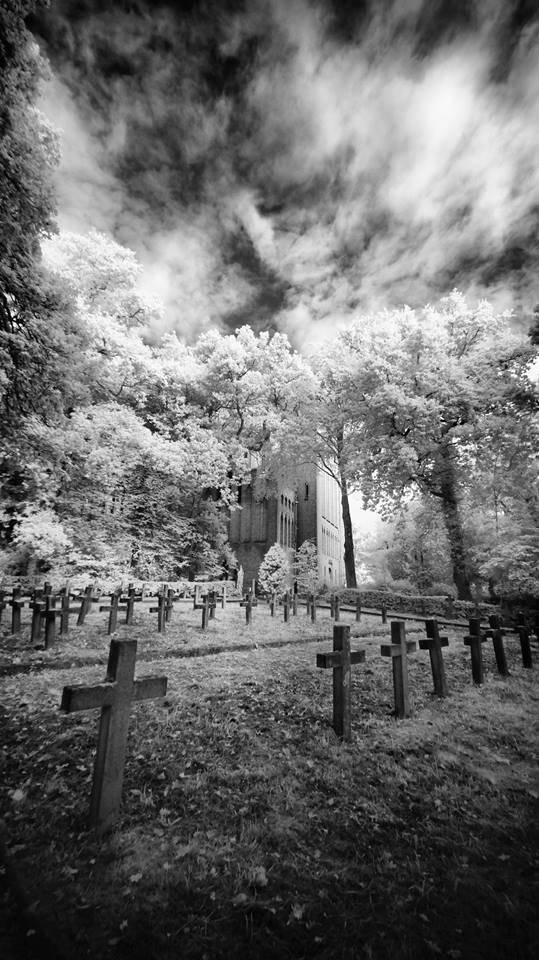 ghost hunting graveyard