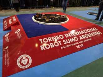 Estudiantes de la FIUNA participaron del Torneo International Robot Sumo Argentina 2019