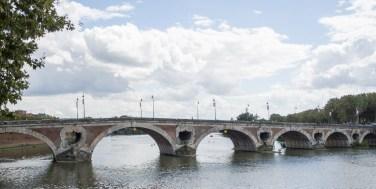 Le Pont Neuf, or new bridge, 16-17 C.