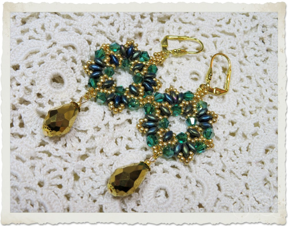 Green gold wreath earrings with faceted drop beads and superduo beads