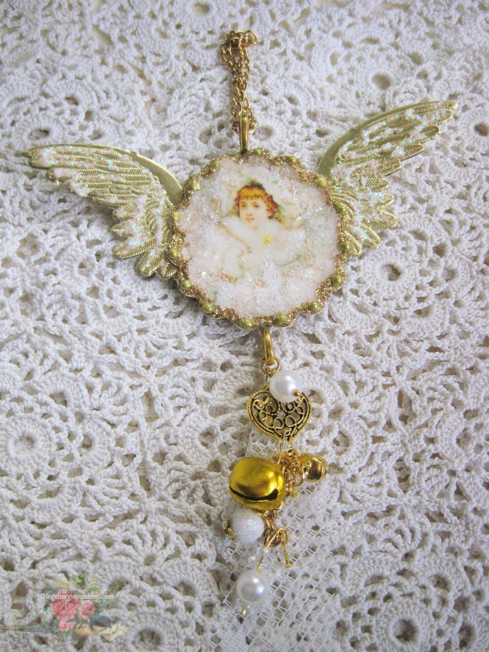 vintage snow angel by Ingeborg van Zuiden