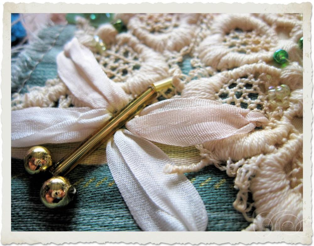 Silk ribbon dragonfly by Ingeborg van Zuiden