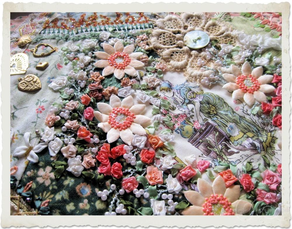 Crazy quilt with Fargo roses by Ingeborg van Zuiden