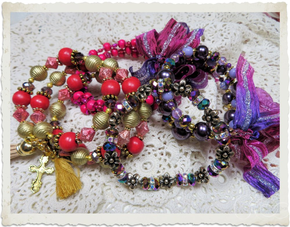 Memory wire bracelets by Ingeborg van Zuiden
